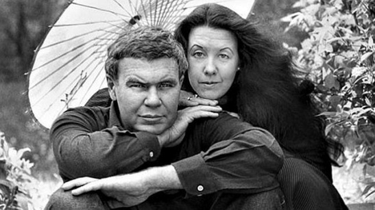 raymond carver and tess gallagher.jpg